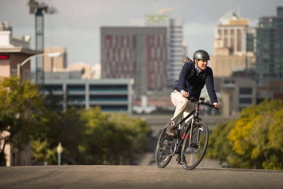 Электровелосипед для поездок по городу фото