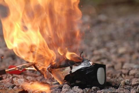 Взрыва литий ионного аккумулятора